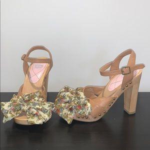 VGUC Juicy chunky heels size 6.5M